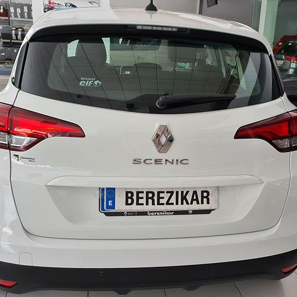 Okasiozko Renault ibilgailuak